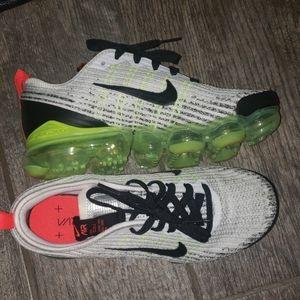 Nike Shoes - Nike Vapormax Flyknit 3